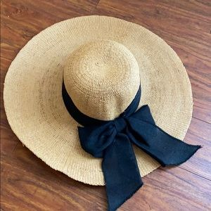 Sun Hat with Black Bow
